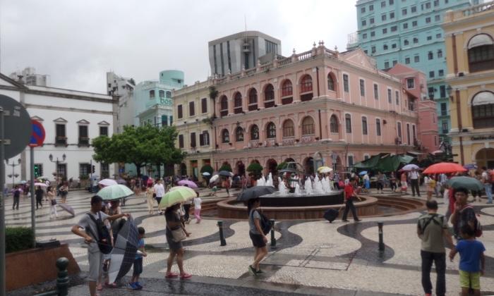 Beijing to Hong Kong Express 13: Day Tripping inMacau